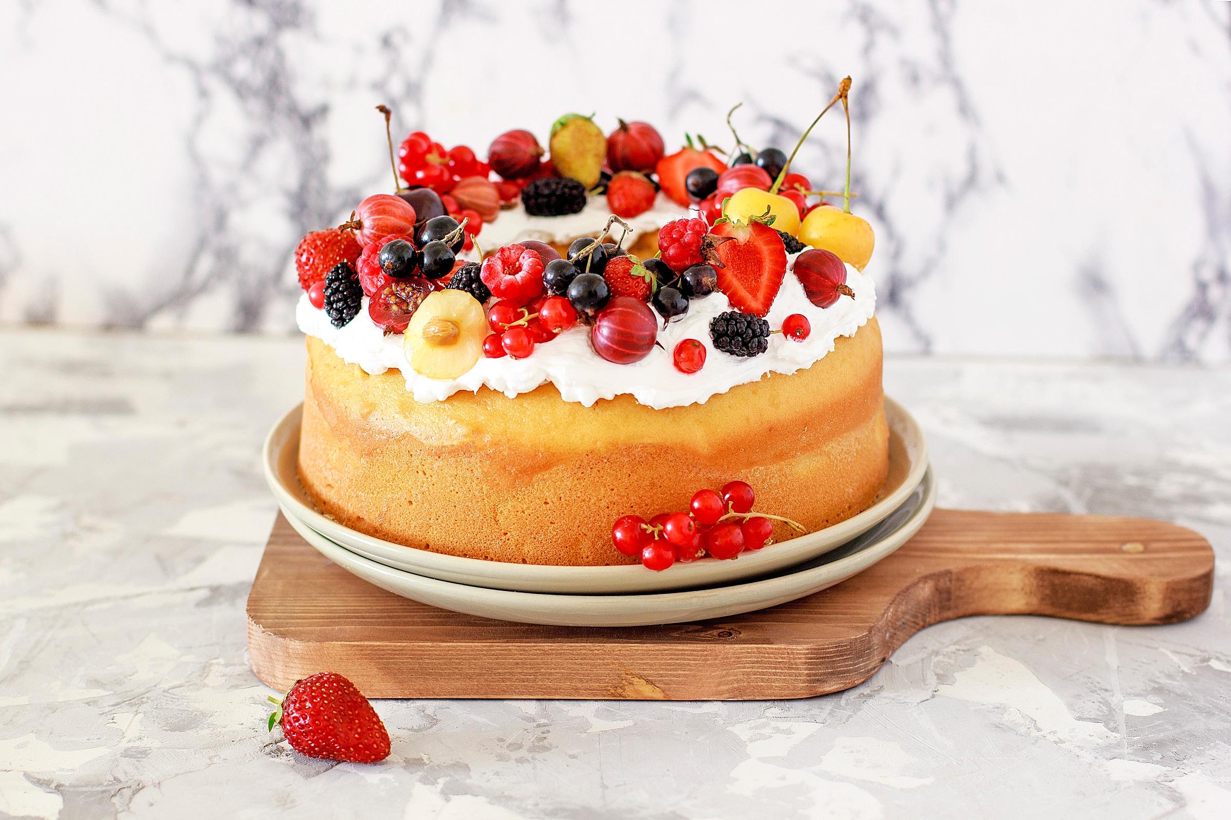 Fruit-cake-on-wood-board